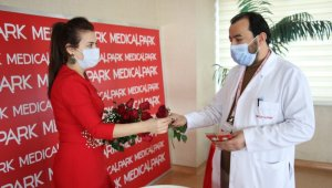 Elazığ'da yeni yıl öncesi sağlıkçılara moral