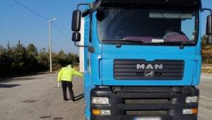 Emniyet ekiplerinden 3 günde 76 araç sürücüne ceza