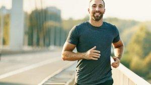 Erkekler, kadınlara göre daha sağlıklı olduğunu düşünüyor