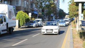 Hafta sonu kısıtlaması sona erdi, Diyarbakır'da trafik yoğunluğu başladı
