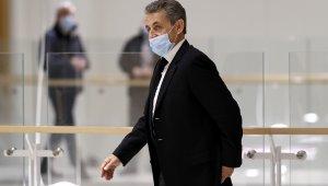 Hakim karşısına çıkan Sarkozy yolsuzluk suçlamalarını reddetti