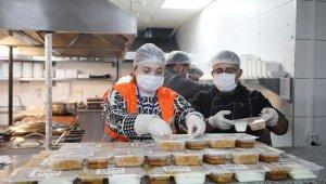 İlk 10 günde karantinadaki bin 529 Atakumluya yemek desteği
