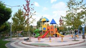 İnegöl'de 12 çocuk parkı kamera sistemleriyle donatıldı