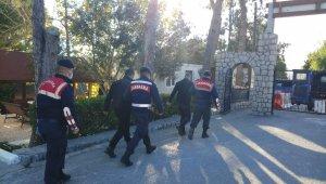İzmir'de dolandırıcılık operasyonu: 6'sı kamu görevlisi 8 gözaltı