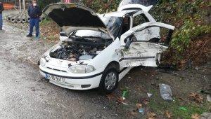 Kayganlaşan yol kaza yaptırdı: 3 yaralı