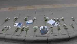 Kaza kurbanı üniversiteli Gizem 19 karanfille anıldı