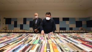 Kepez'in Cemil Meriç Kitaplığı'na kitap yağıyor