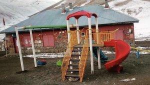 Köylerine park yapılmasını isteyen çocukların hayali gerçek oldu