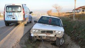 Kula'da 10 dakika arayla iki kaza: 2 yaralı