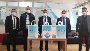 Marmara Belediyesi'nden 80 öğrenciye tablet