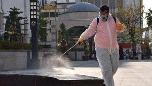 Mersin'de her yer dezenfekte ediliyor