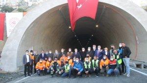 Rize'nin 70 yıllık hayali Salarha Tüneli tek tüpten ulaşıma açıldı