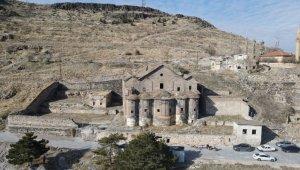 Tarihi Meryem Ana Kilisesi'nde restorasyon çalışmaları başladı