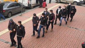 Zehir tacirleri polisin eş zamanlı operasyonuyla yakalandı