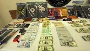 'Hurma ticareti ' adı altında örgüte finans sağladığı iddia edilen 32 FETÖ şüphelisi gözaltına alındı