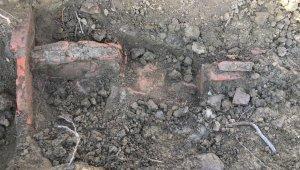 Ağaçlandırma yapılan bahçede kerpiç yapı ve kemiklere rastlandı