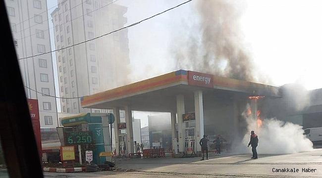 Akaryakıt istasyonunda yangın paniği: 2 yaralı