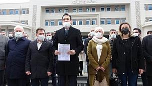AKP Çanakkale İl Başkanı Naim Makas mazbatasını aldı