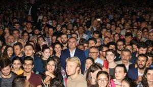 Alper Taşdelen en başarılı belediye başkanı