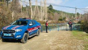 Antalya'da 15 hanenin bulunduğu mahalle karantinaya alındı
