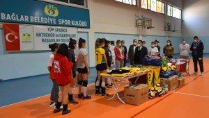 Bağlar Belediyesi ilk kez kadın voleybol takımı kurdu