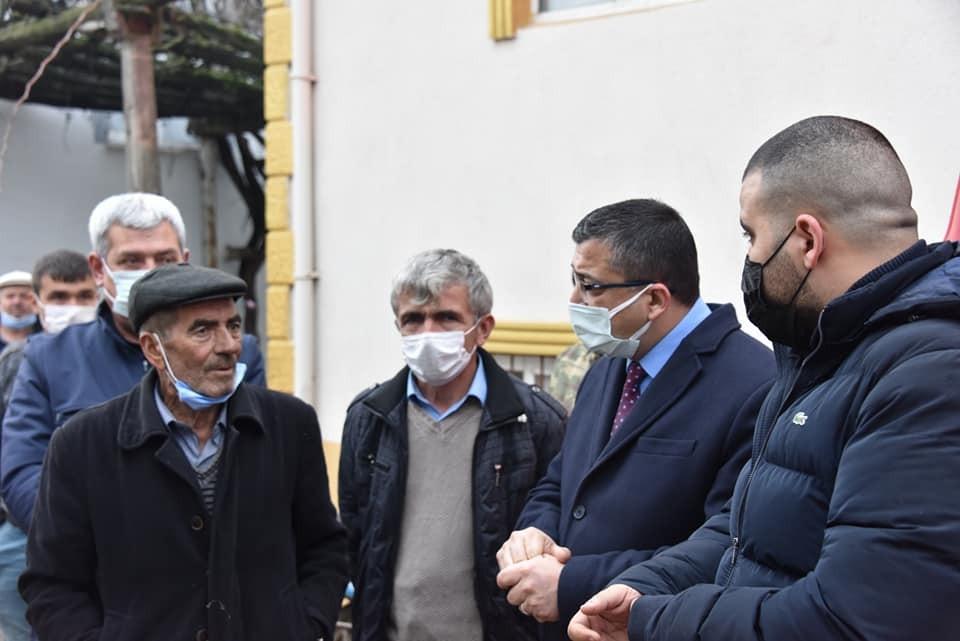 Başkanı Öz, evi yanan köylüyü ziyaret etti