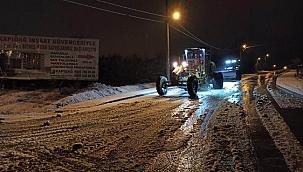 Biga Belediyesi ekiplerinin kar mesaisi