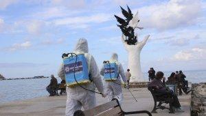 Büyükşehir Belediyesi, Kuşadası'nda dezenfekte çalışması yaptı
