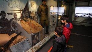 Çanakkale Savaşları Mobil Müzesi İnegöllülerle buluştu