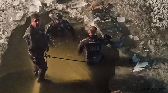 Direksiyon hakimiyetini kaybeden otomobil buz tutan nehre uçtu: 1 ölü
