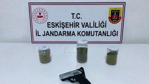 Eskişehir'e uyuşturucu getiren 2 kişi yakalandı
