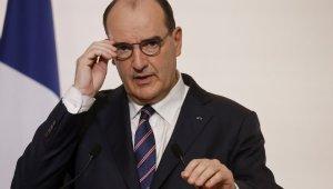 Fransa'da Covid-19 kısıtlamaları 20 Ocak'a kadar uzatıldı