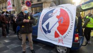 Fransa'da evsizler ve kiracılar çözülmeyen lojman sorununu protesto etti