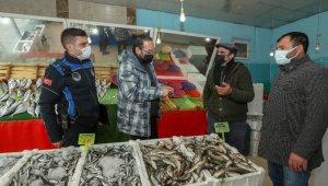 İpekyolu Belediyesi'den balon balığı denetimi