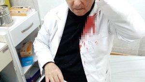 İzmir'de doktora taşlı saldırı: Maske uyarısı yapan doktorun kafasını yardı