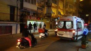 İzmir'de vahşet: Babasını 25 yerinden bıçaklayarak öldürdü