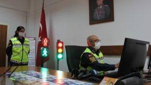 Jandarmadan öğrencilere uzaktan trafik eğitimi