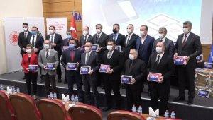Kırıkkale'de bin 200 öğrenciye tablet desteği