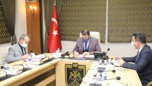 Milli Eğitim Müdürlüğü ve Cumhuriyet Üniversitesi arasında iş birliği -Sivas Valiliği himayelerinde, Sivas Cumhuriyet Üniversitesi ve İl Milli Eğitim Müdürlüğü arasında 'Sosyal, Bilimsel ve Teknolojik İşbirliği Protokolü' imzalandı.