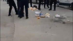 Pilav tezgâhına el konulan seyyar satıcı zabıta ekiplerine tüp fırlattı