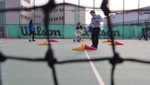 Şanlıurfa'da geleceğin tenisçileri yetişiyor