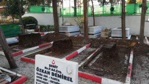 Şehit mezarları Marmara mermeri ile yenileniyor