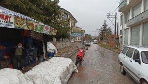 Şuhut'ta sağanak yağmur etkili oldu