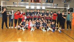Turgutlu Belediyespor Erkek Voleybol Takımı Kütahya'dan galibiyetle döndü