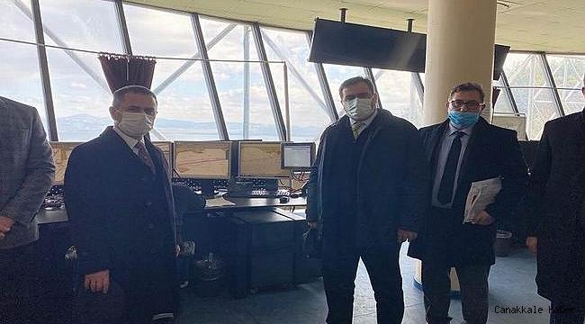 Vali Aktaş, Gemi Trafik Hizmetleri merkezinde incelemelerde bulundu