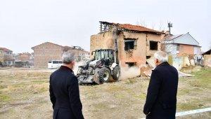 Yeşilyurt'ta Melekbaba Mahallesi'nde dönüşüm yatırımlarına hız verildi