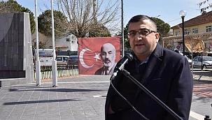 Bir şehir, İstiklal Marşı okuyor