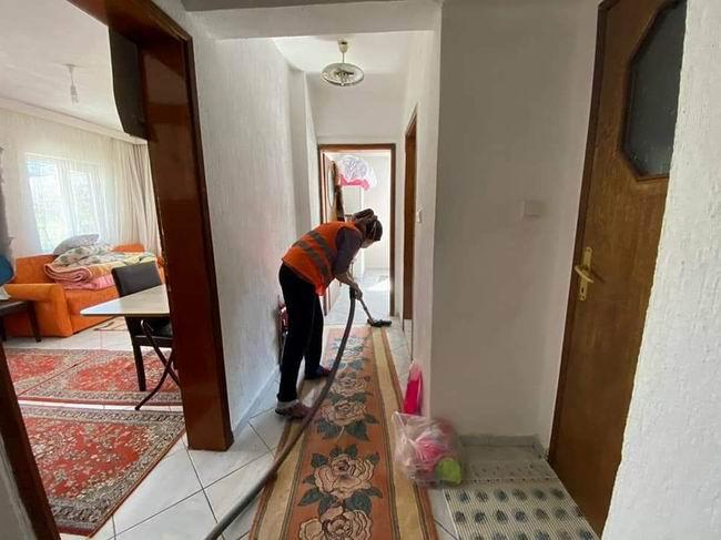 Çan Belediyesi evde temizlik desteği ile vatandaşlara derman oluyor