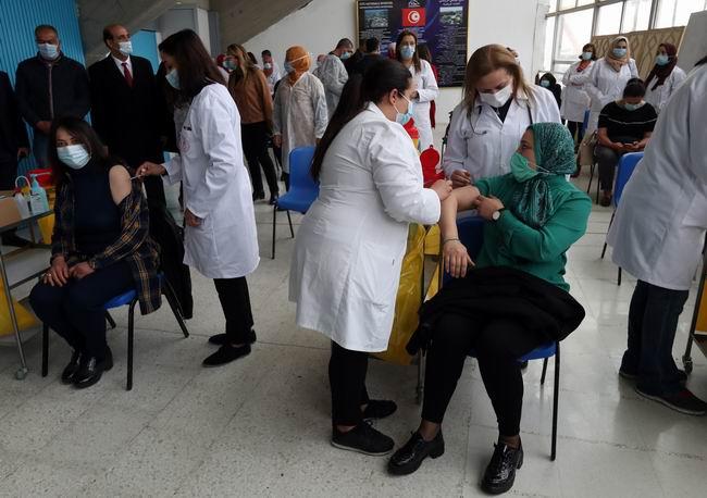Covid-19 aşıları ülkeler için diplomatik araç haline geliyor