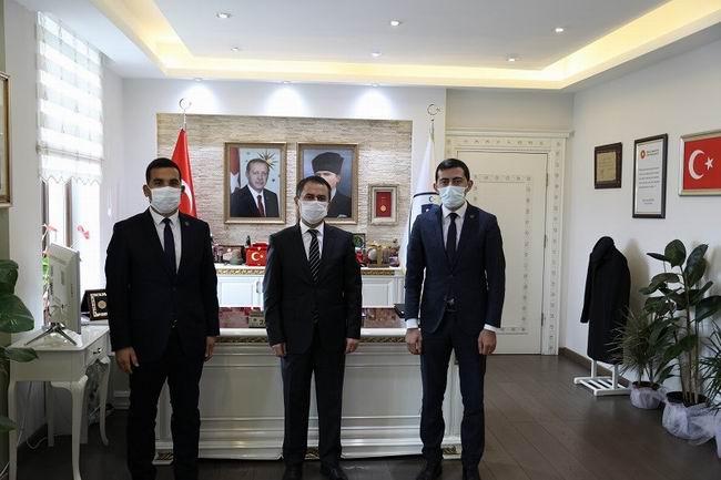 Ülkü Ocakları Eğitim ve Kültür Vakfı Çanakkale İl Başkanı, Vali Aktaş'ı ziyaret etti